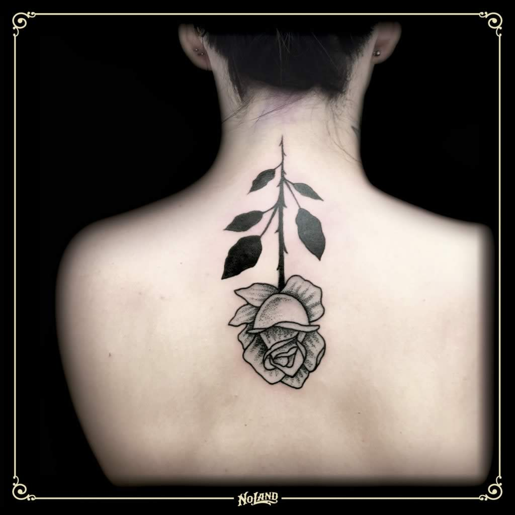 Isa Santana blackwork No Land tattoo