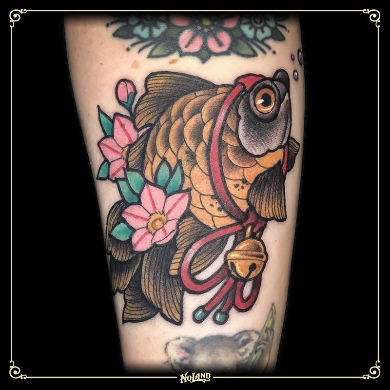 Maria Roca no land tattoo parlour neotradicional valencia pez fish