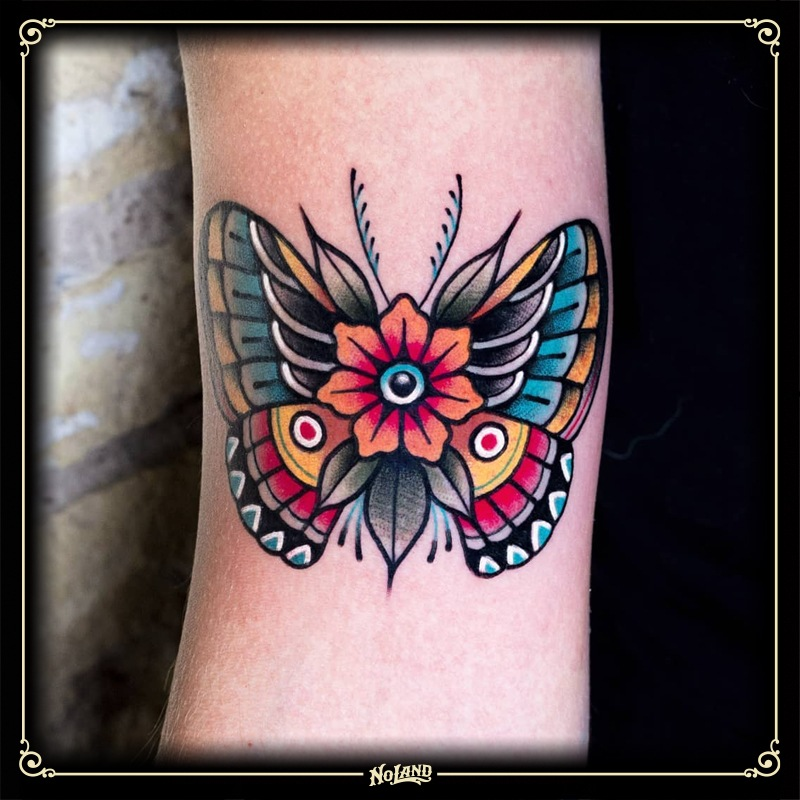 miguel comin no land tattoo parlour tradicional mariposa mandale butterfly