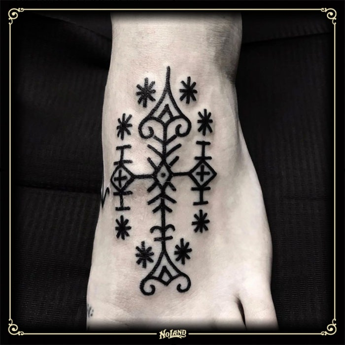 richard sorensen no land tattoo parlour blackwork pie